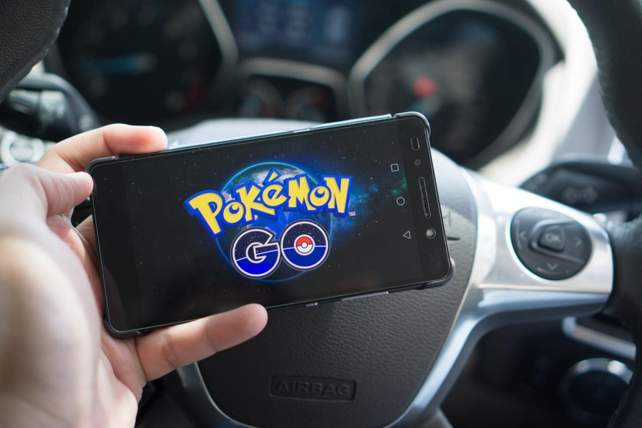 Pokemon Go đang thay đổi hành vi lái xe của giới trẻ Việt