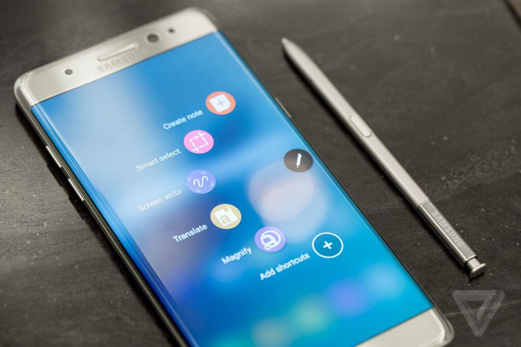 """Galaxy Note 7 và những thay đổi của phablet """"Dám nghĩ lớn"""""""