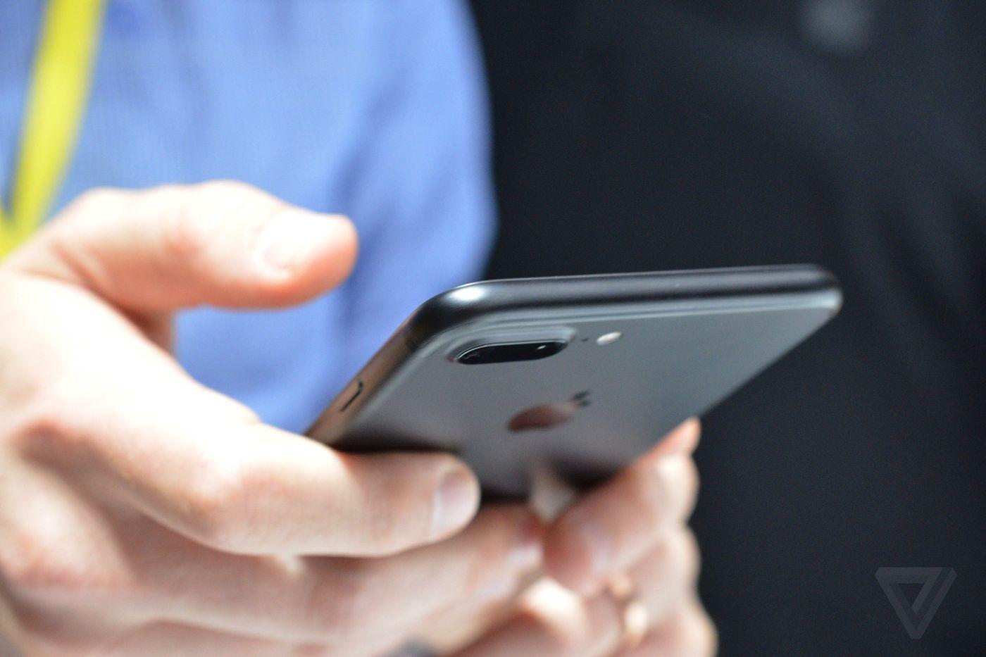 Viễn Thông A đã cho đặt trước iPhone 7 kèm chương trình giảm đến 2 triệu