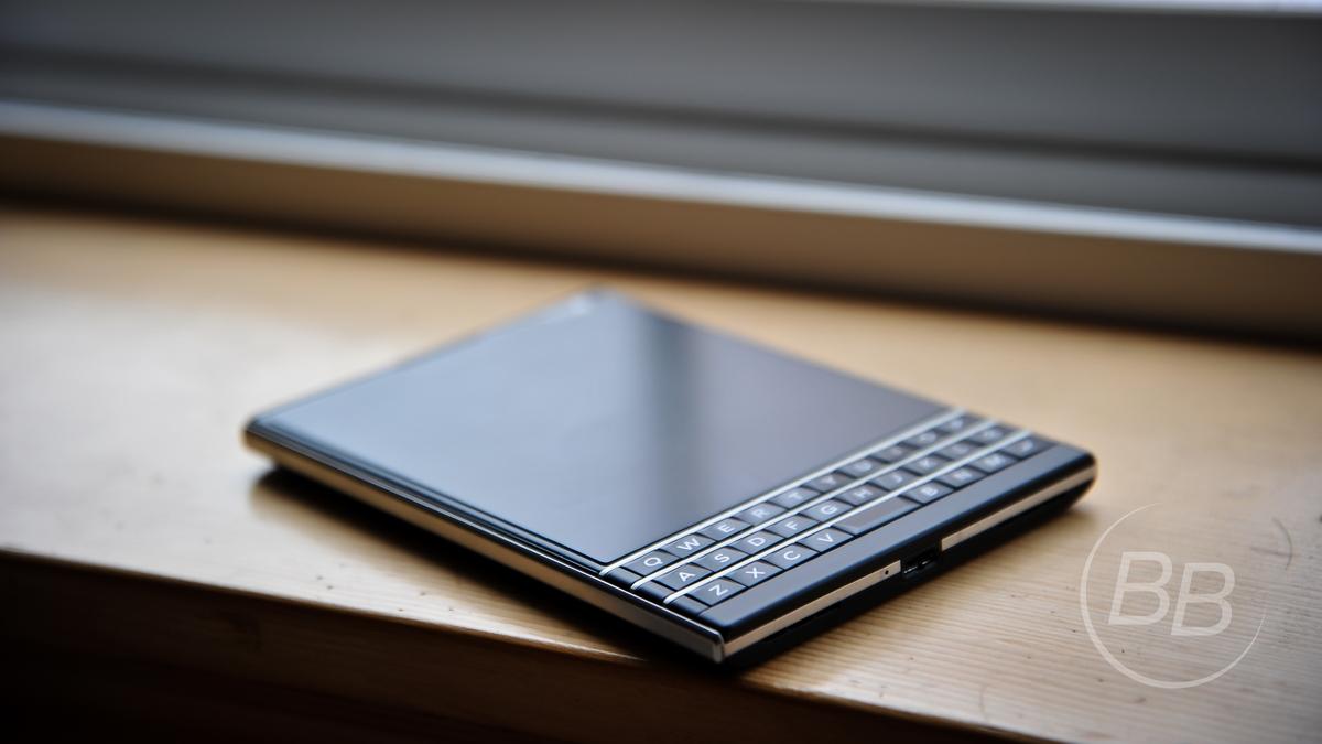 Thay đổi giá bán lẻ Blackberry Passport Black Edition tại Việt Nam