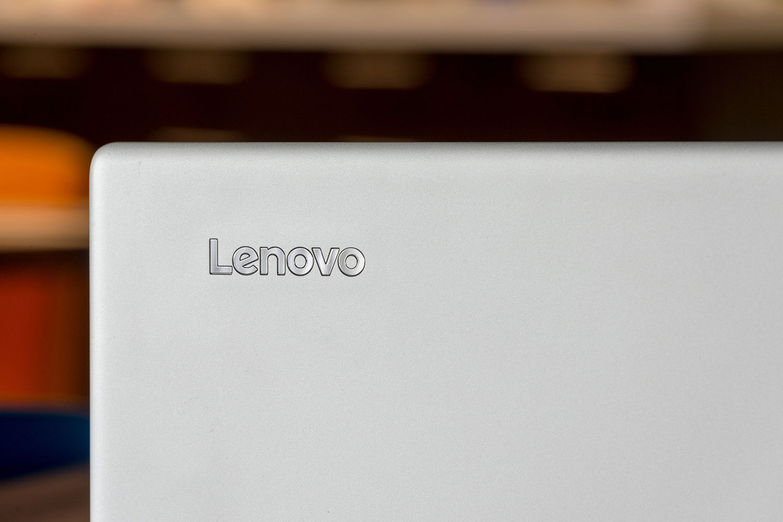 Lenovo ra mắt Miix 720 cạnh tranh với Surface 5 của Microsoft