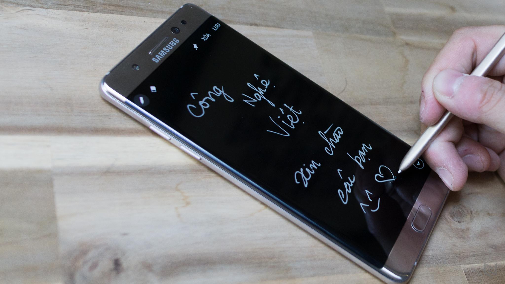 Ông chủ iFixit chia sẻ về lỗi cháy nổ của Galaxy Note 7