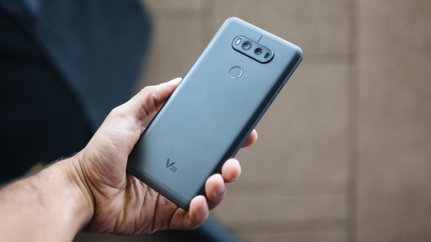LG V20 tại Nhật sẽ có mã V34: 5.2″ QHD, chống nước
