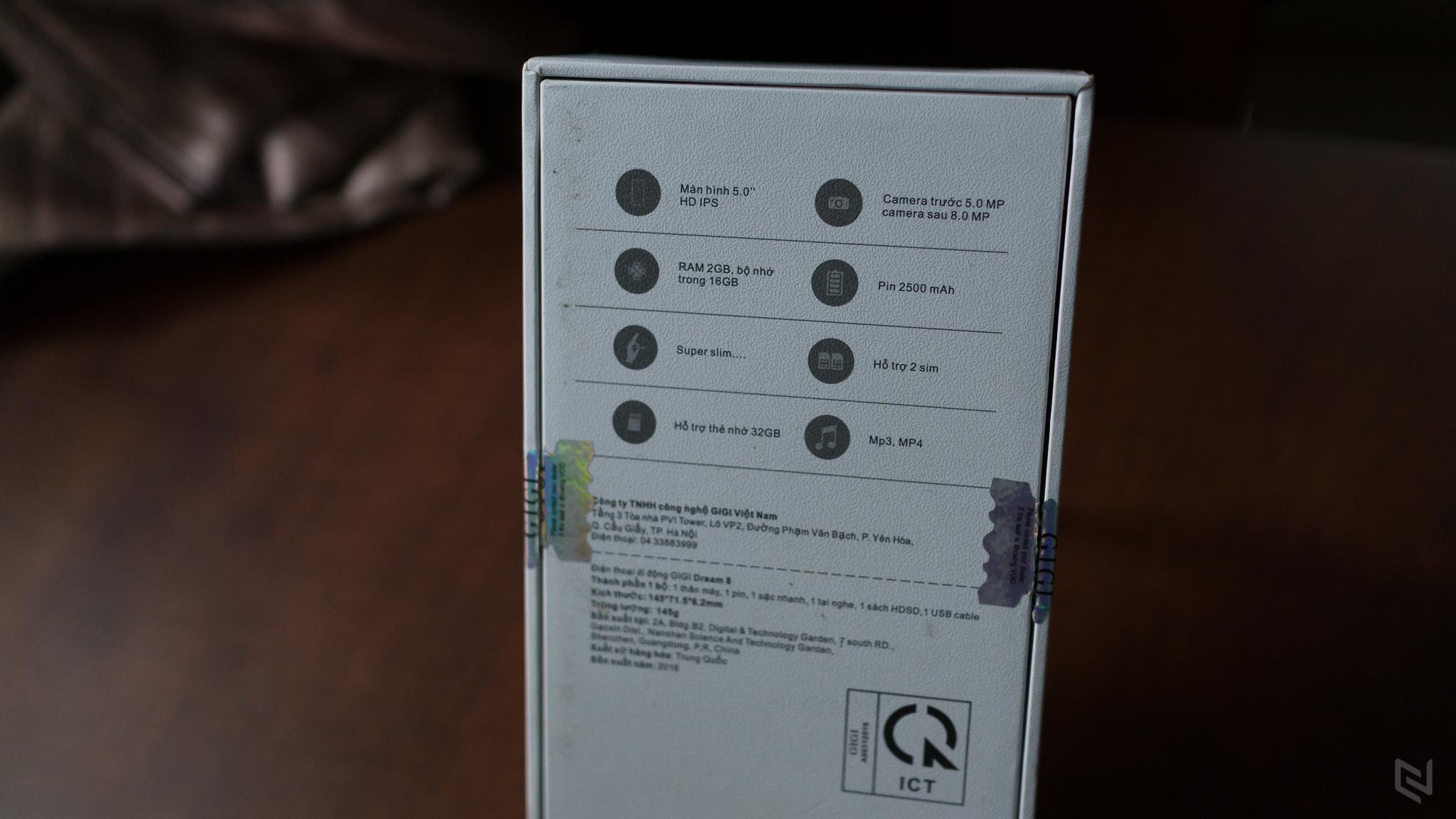 Hộp máy vẫn giữ kiểu thiết kế như Dream 7, đơn giản nhưng sang trọng