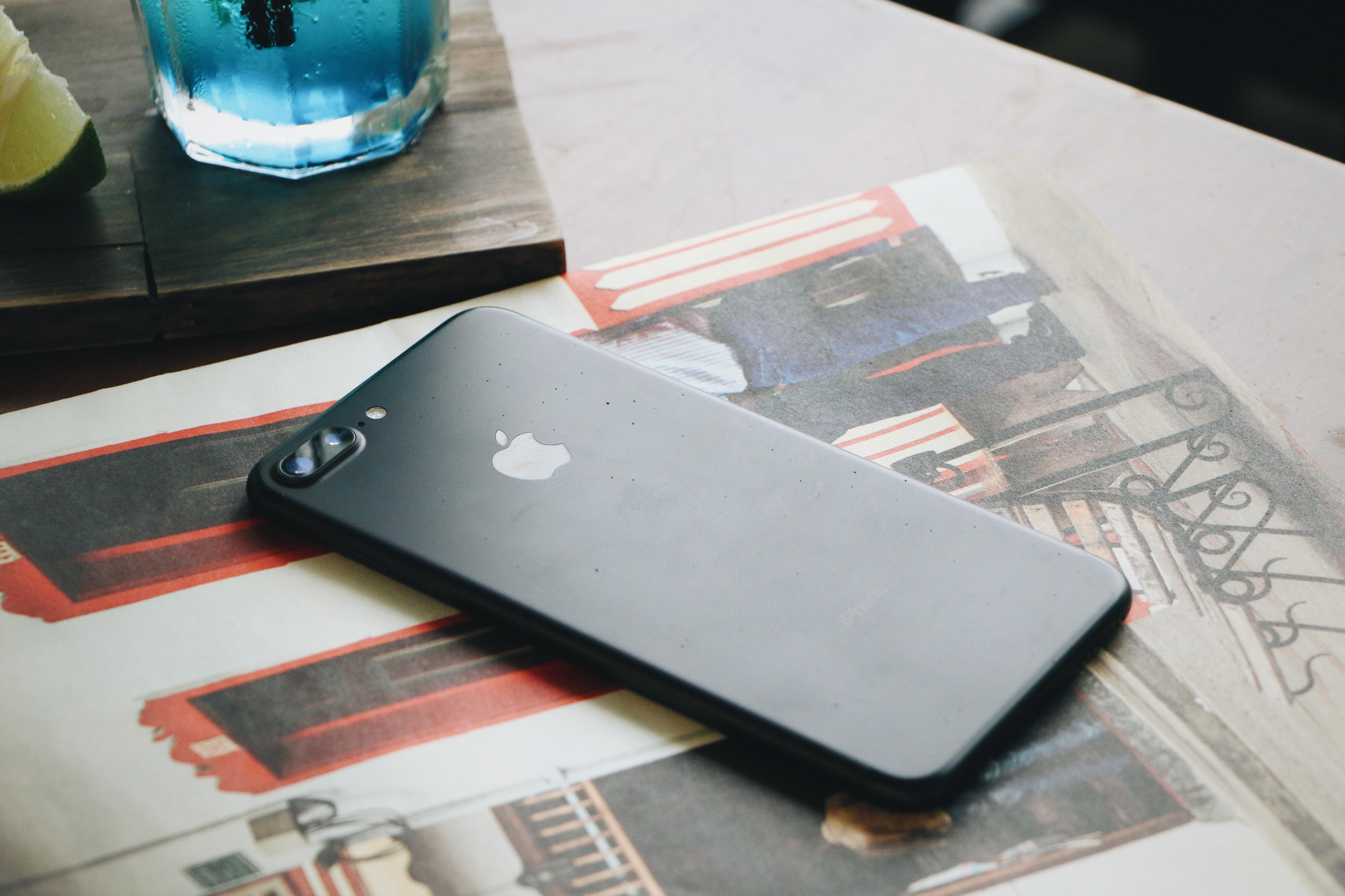 iPhone 7 mua tại FPT Shop sẽ có thời gian bảo hành gấp đôi