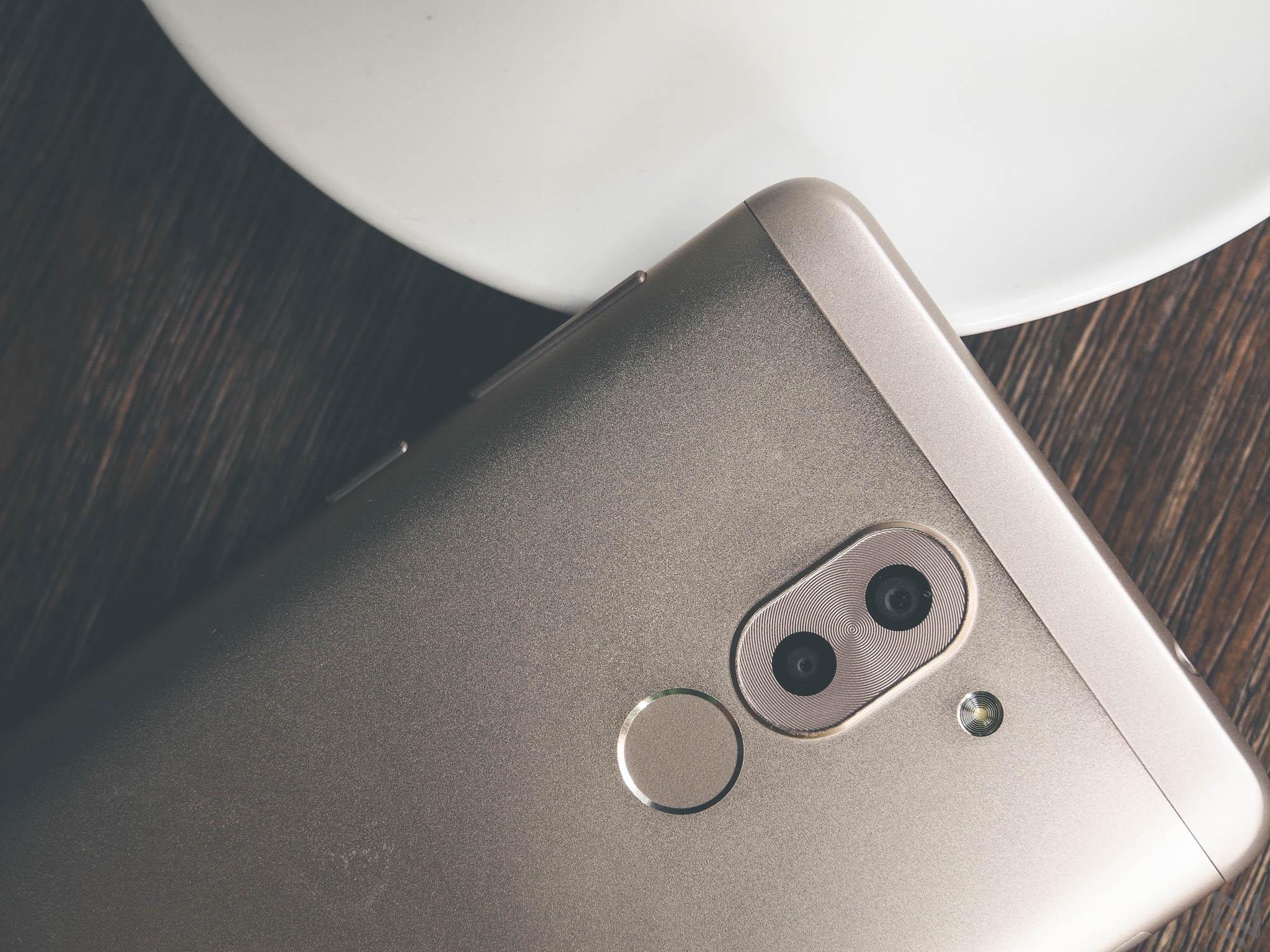 Trên tay Huawei GR5 2017