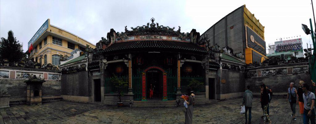 Toàn cảnh chùa Bà Thiên Hậu tại quận 5.