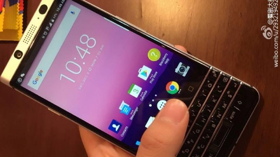 Rò rỉ ảnh BlackBerry Mercury dùng bàn phím vật lý
