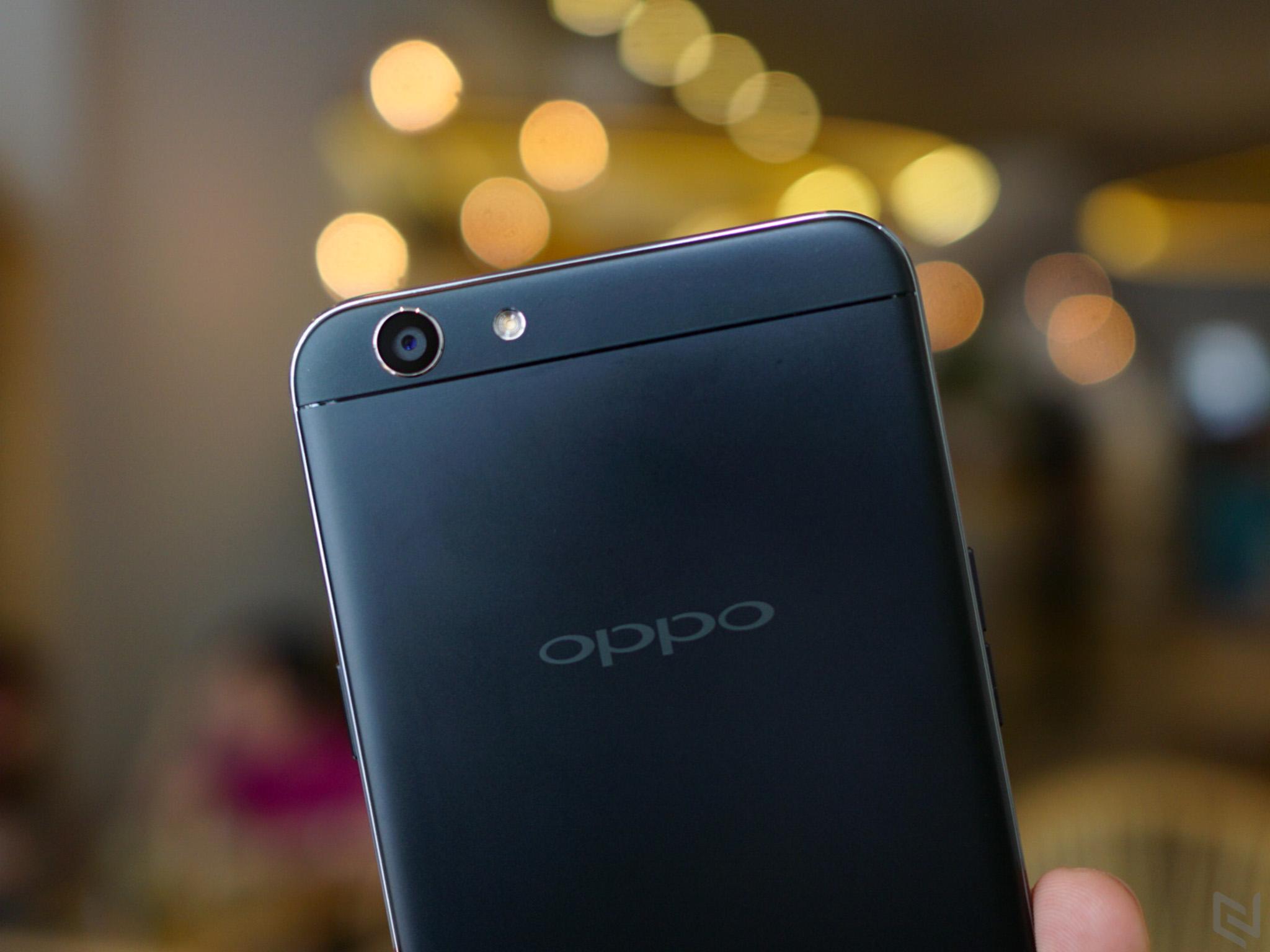 Trên tay OPPO F1S phiên bản màu đen nhám Limited Edition