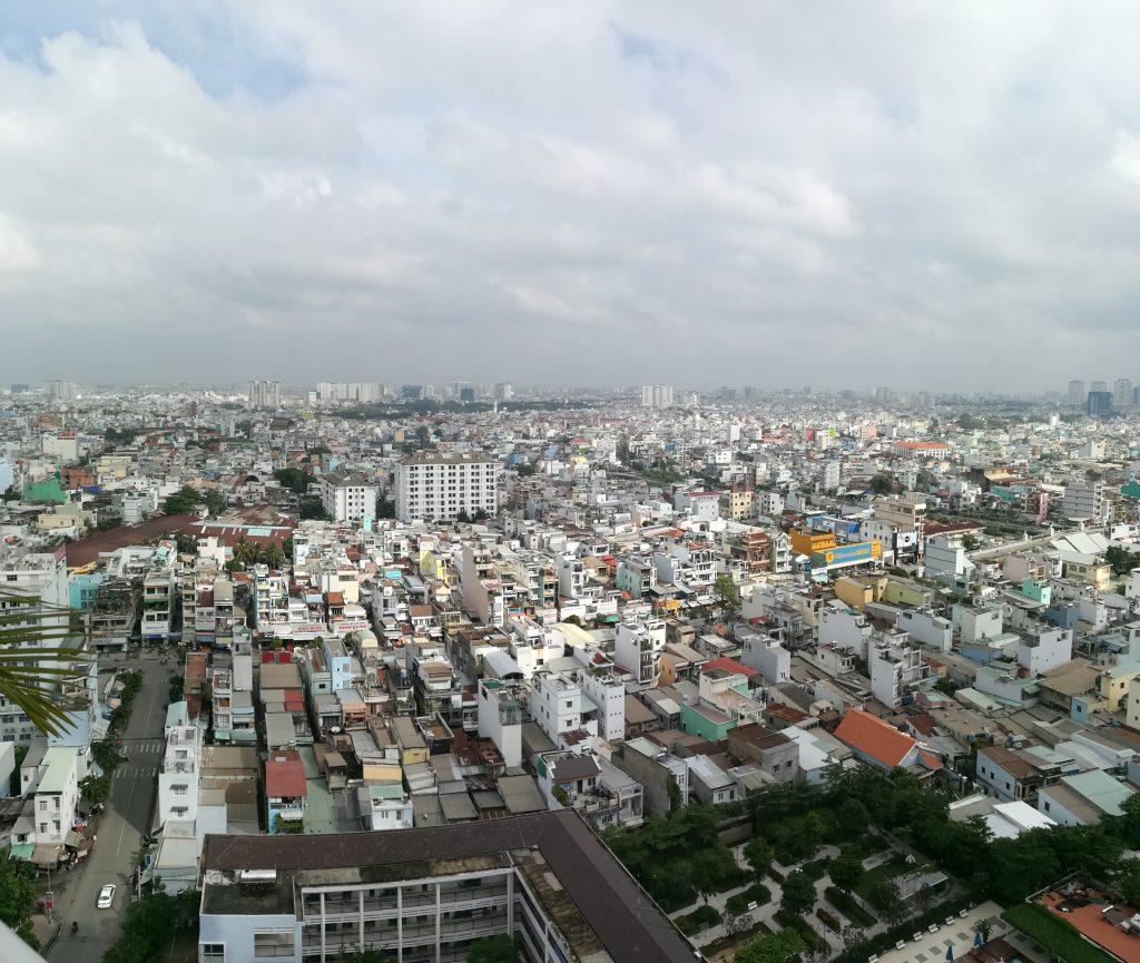 Một ngày nắng đẹp sau những ngày mưa âm u gần đây ở Sài Gòn. Thật không dễ gì đi chụp với thời tiết vừa rồi