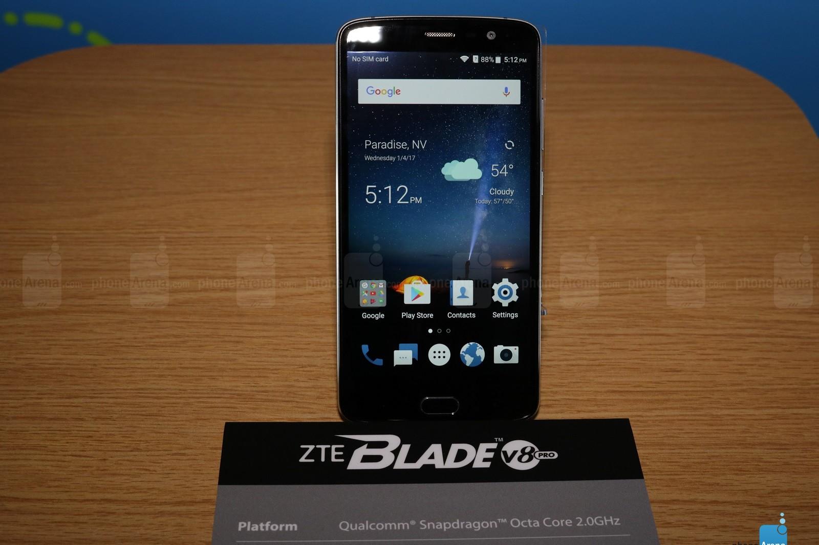Trên tay ZTE Blade V8 Pro phân khúc tầm trung, trang bị camera kép