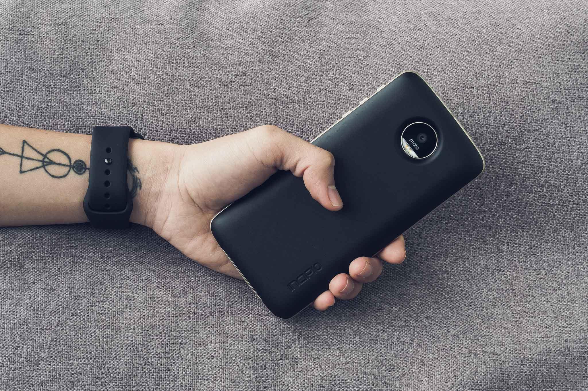 Thử nghiệm mod Power Bank cho Moto Z: thiết kế ổn, đề cao tính tiện lợi