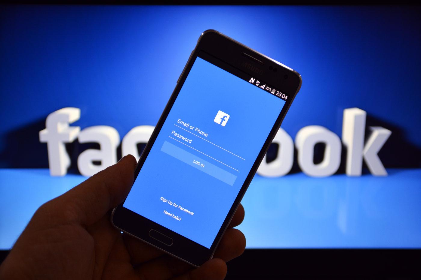 Facebook vô hiệu hóa hơn 14.000 tài khoản trong vòng 1 tháng vì liên quan tống tiền / trả thù bằng hình ảnh khiêu dâm, tình dục