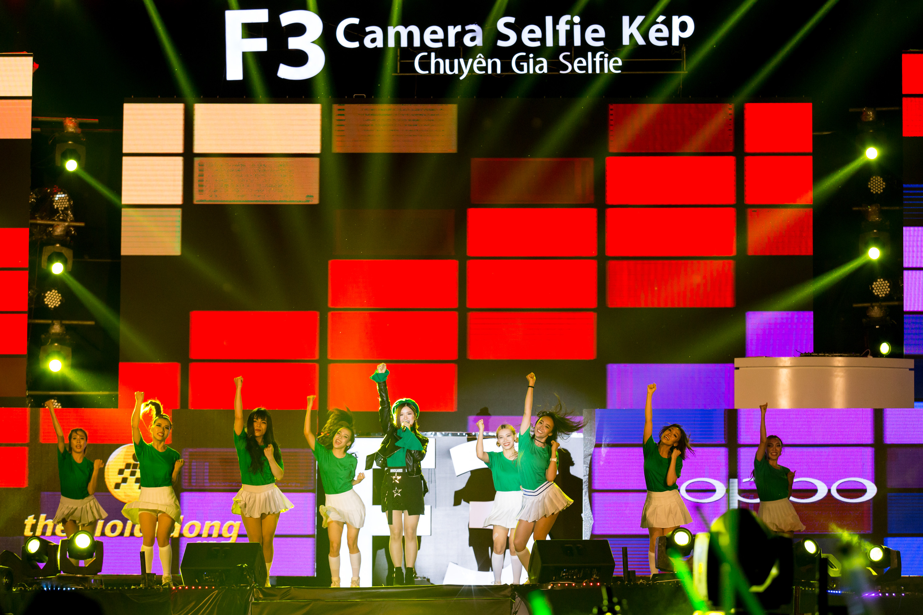 oppo f3 show - 5