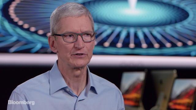 Tim Cook xác nhận Apple đang phát triễn phần mềm cho xe không người lái