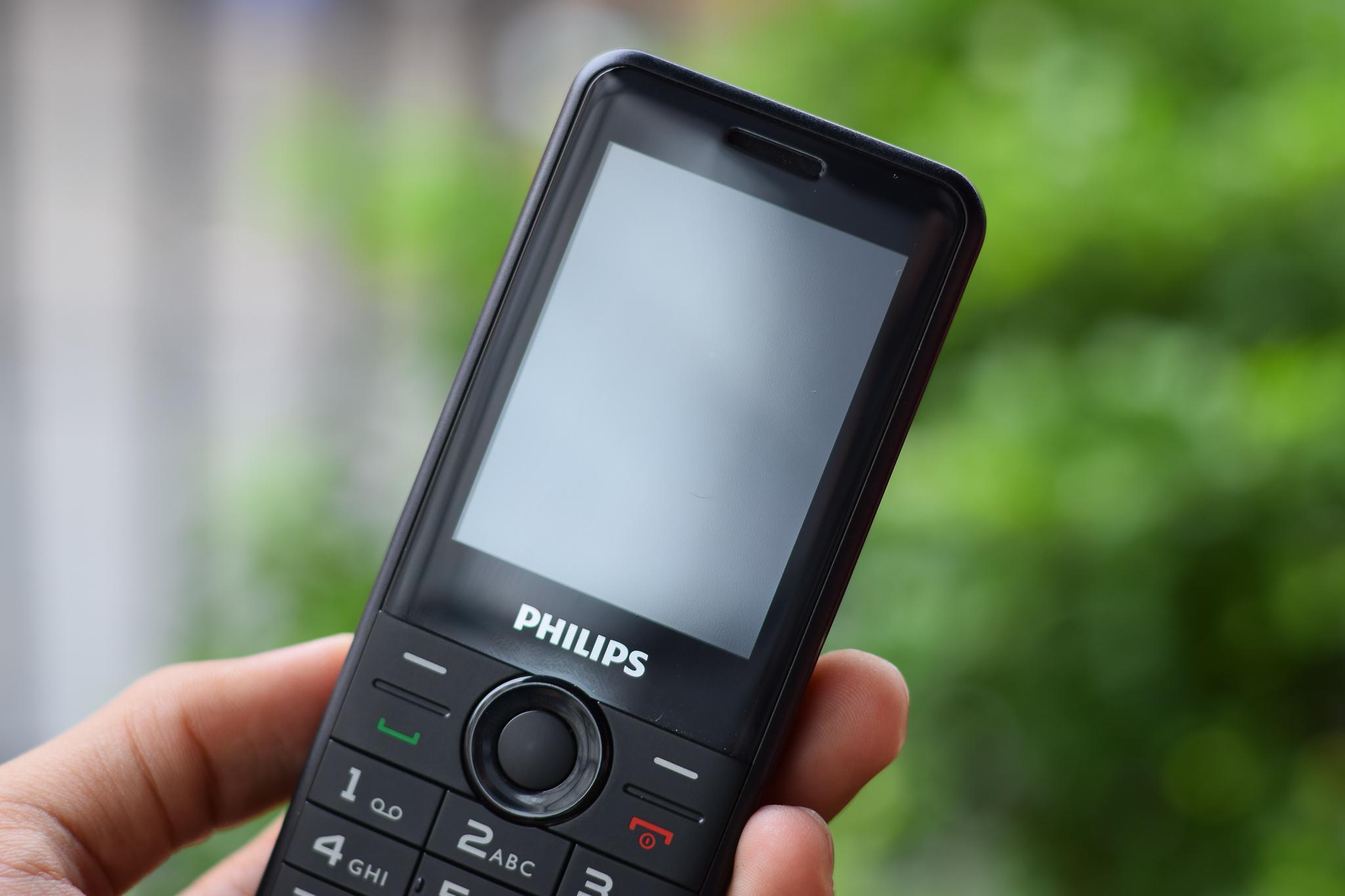 Trên tay và đánh giá nhanh Philips E168