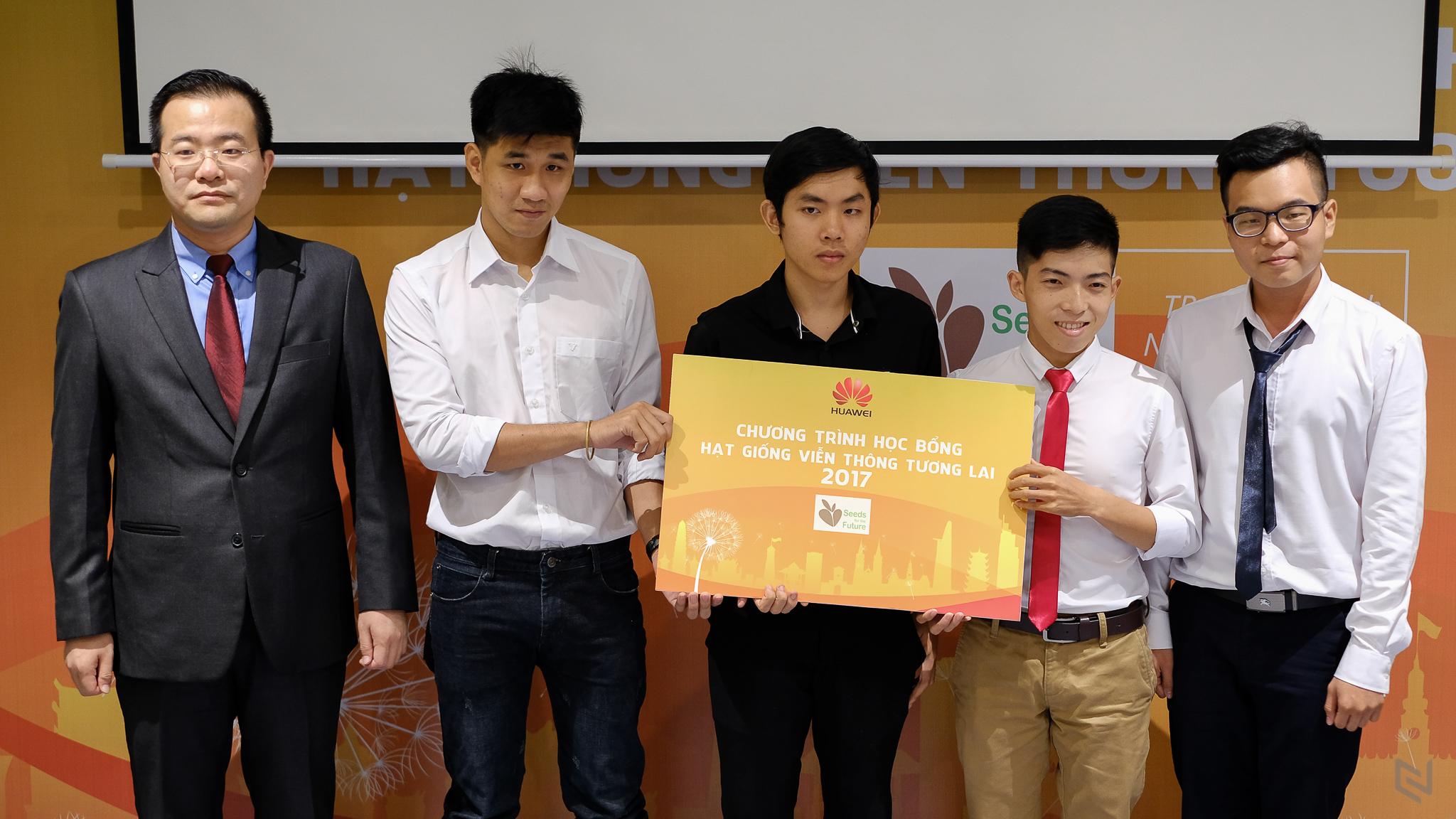 Huawei Việt Nam công bố chương trình Học bổng Hạt giống Viễn thông Tương lai 2017