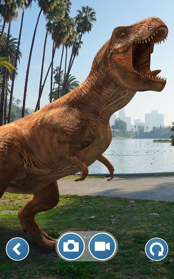 Săn bắt khủng long với tựa game Jurassic World Alive, tích hợp AR