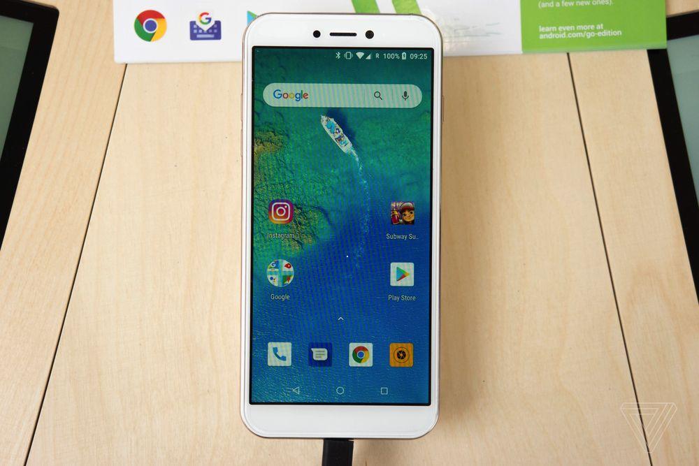 Android Go chính là vị cứu tinh của những chiếc smartphone giá rẻ