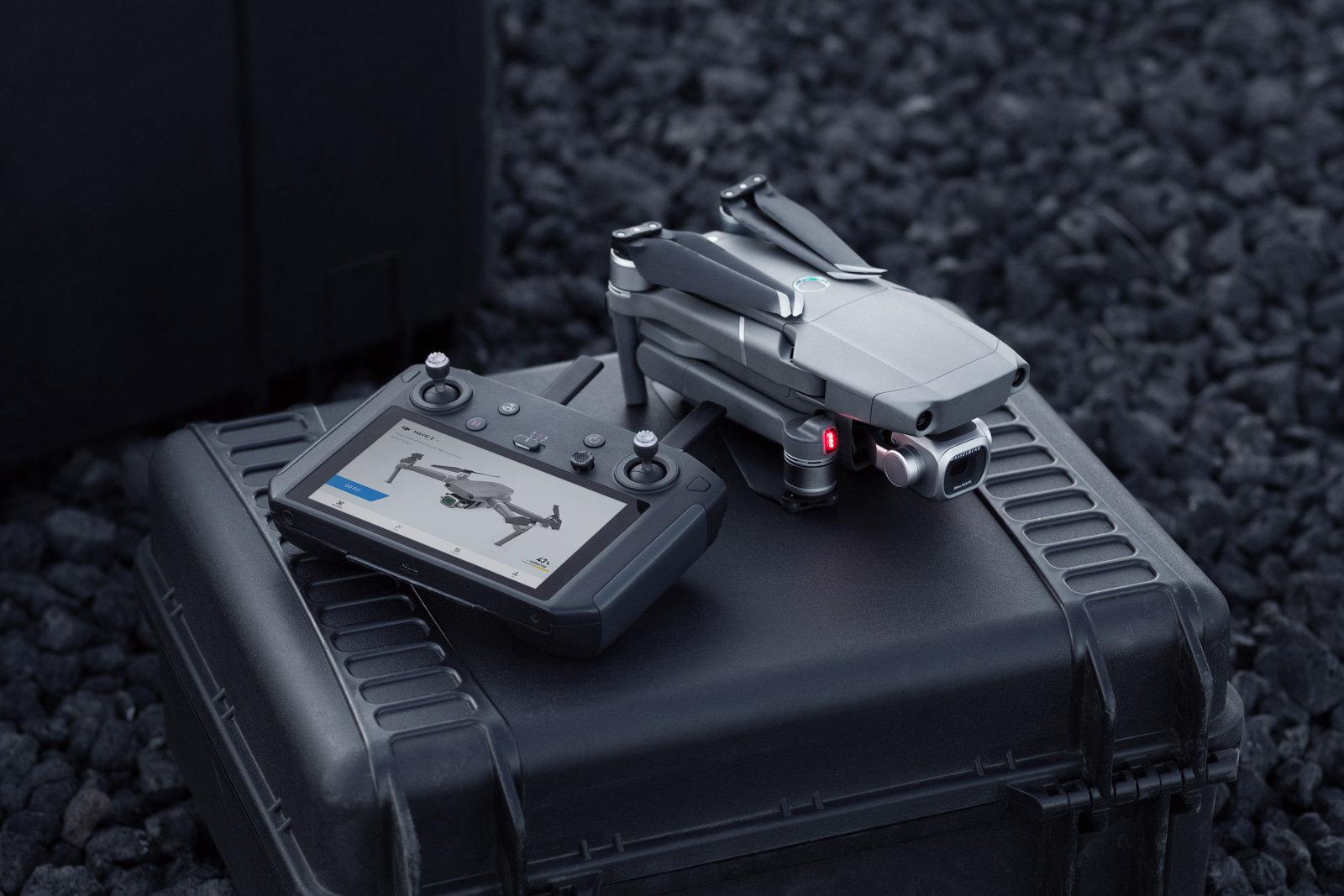 DJI ra mắt remote cho drone tích hợp màn hình HD giá 649 USD