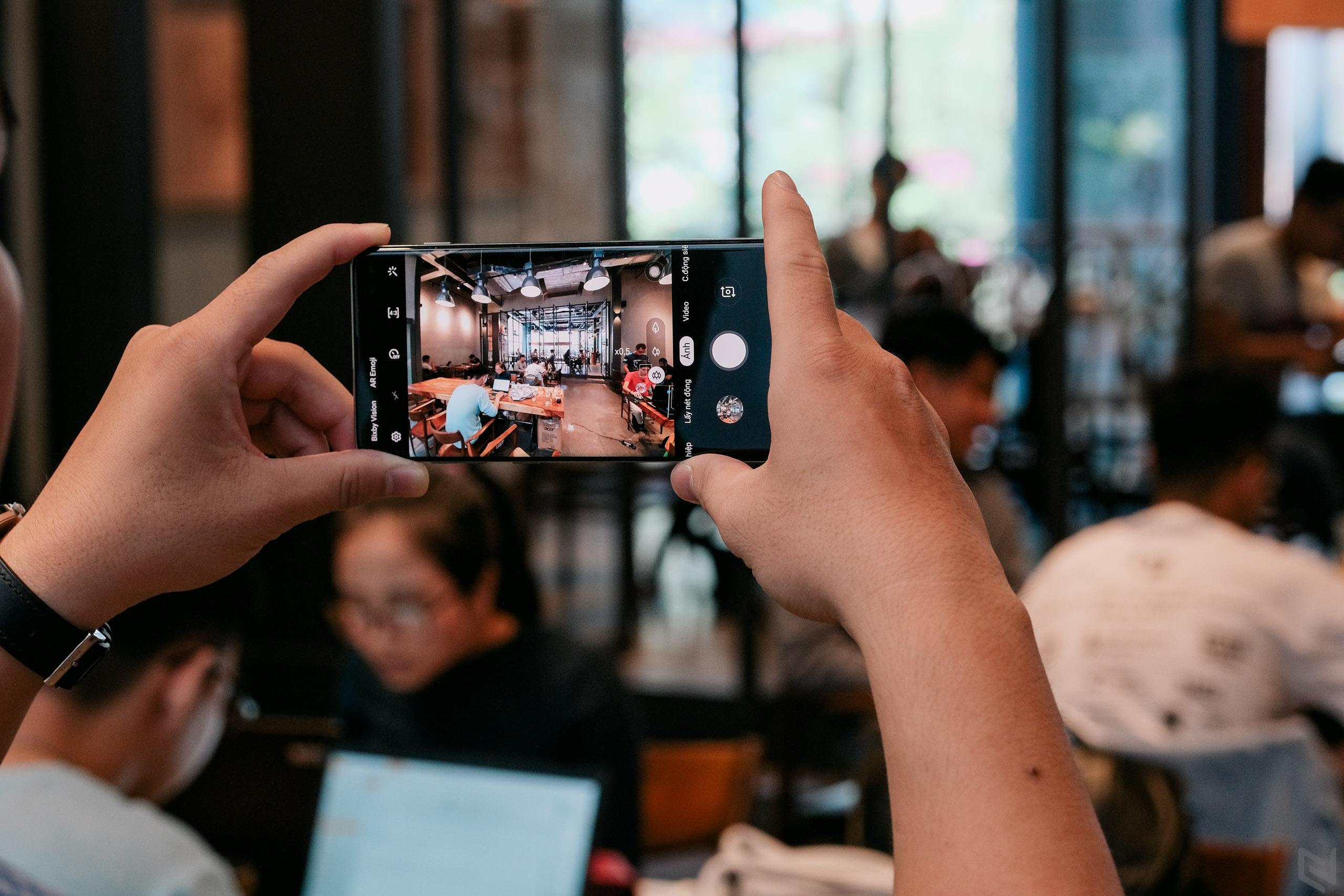 Mẹo chụp ảnh đẹp với Samsung Galaxy S10+