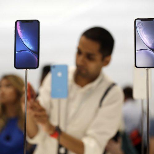 apple mua lại bộ phận của Intel