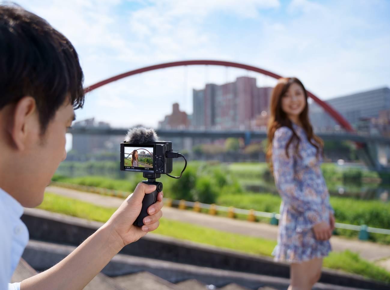 Sony ra mắt máy ảnh nhỏ gọn ZV-1 dành cho dân sáng tạo nội dung với giá 19,990,000 VND