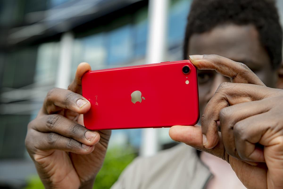 Doanh số bán smartphone của Apple tăng mạnh mặc dù doanh số toàn cầu giảm trong quý 2