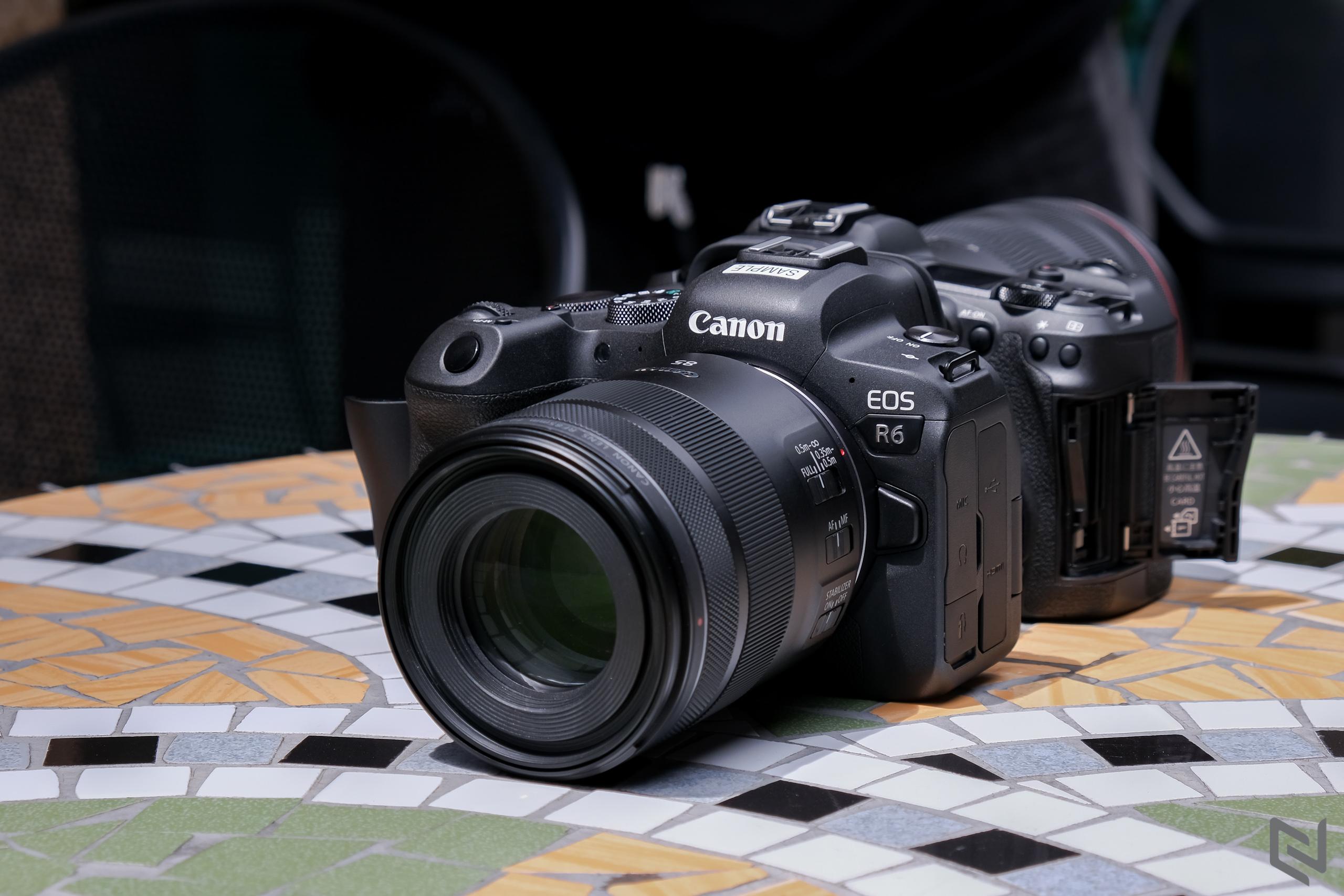 Trên tay bộ đôi Canon EOS R5 và EOS R6: giá bán từ 77-119 triệu đồng