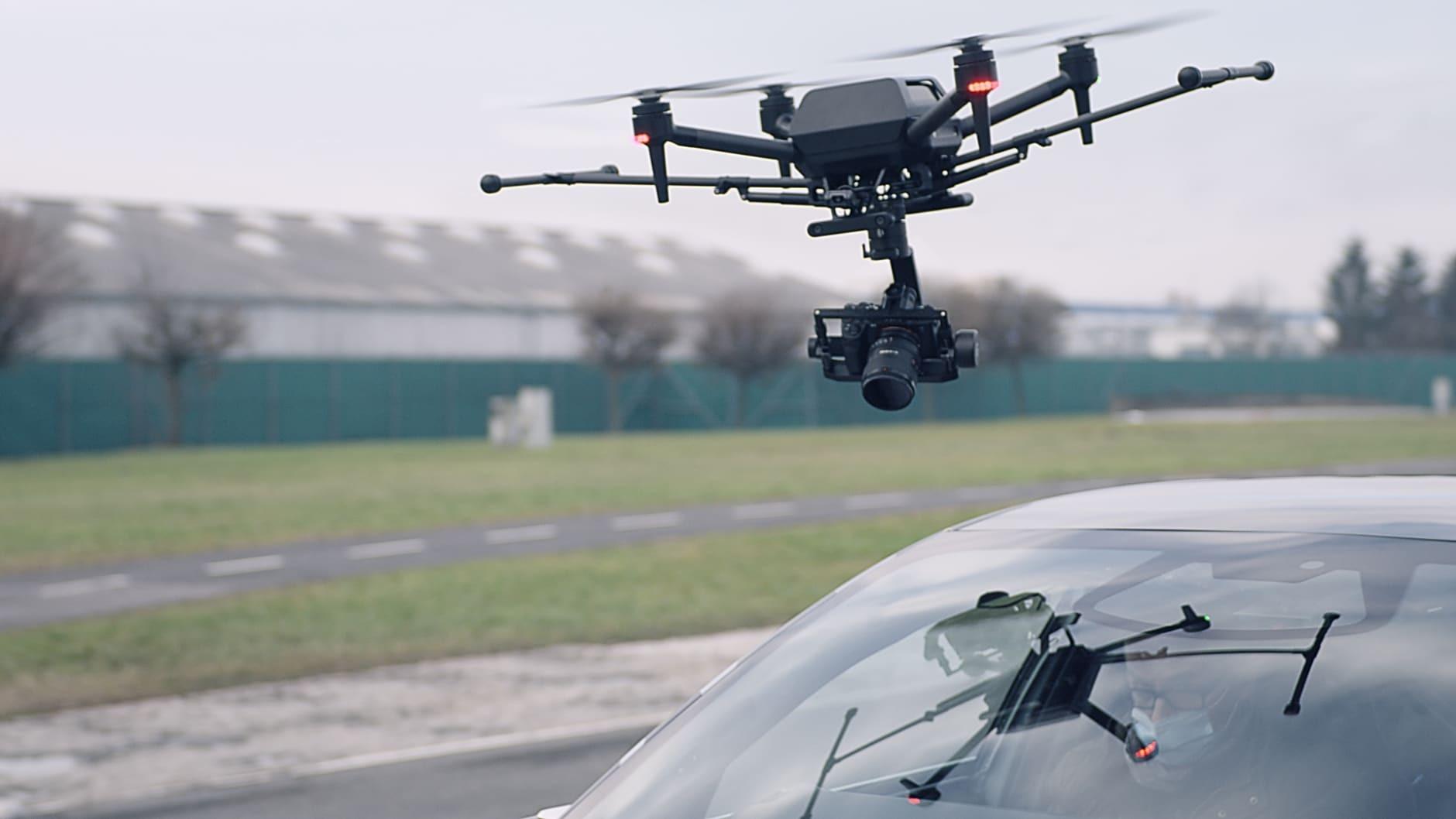 Drone Airpeak của Sony có thể bay đứng ổn định một chỗ dù sức gió đạt hơn 70 km/h