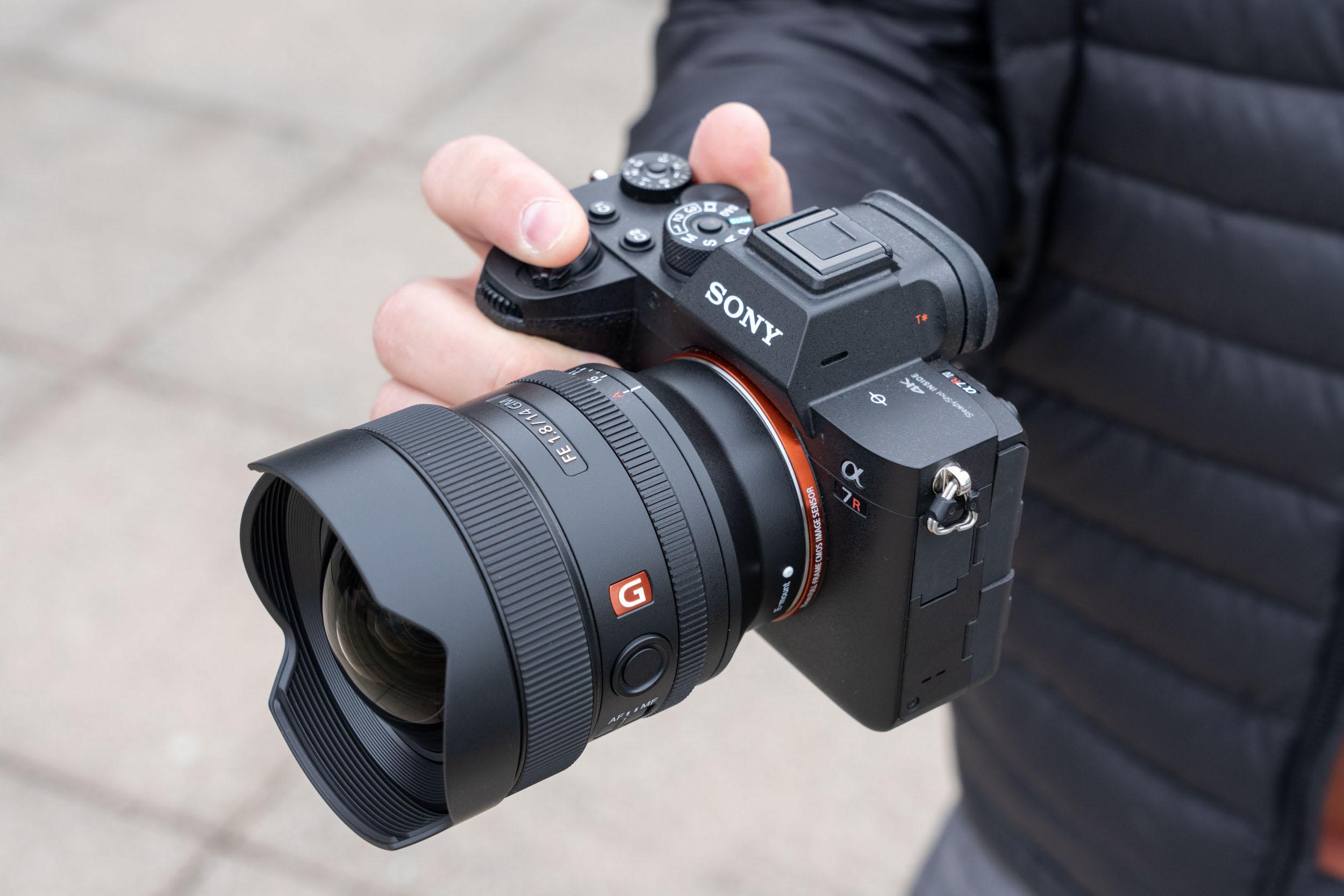Sony ra mắt ống kính góc siêu rộng nhỏ gọn FE 14mm F1.8 GM mới